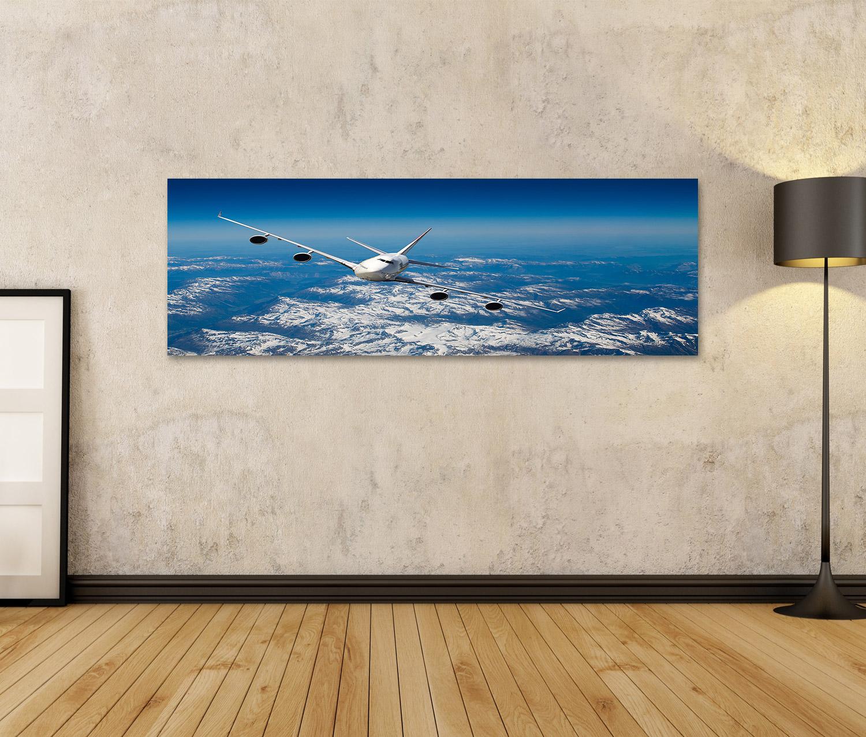 Bild Bilder auf Leinwand Riesiges Flugzeug mit vier Maschinen das übe JSJ