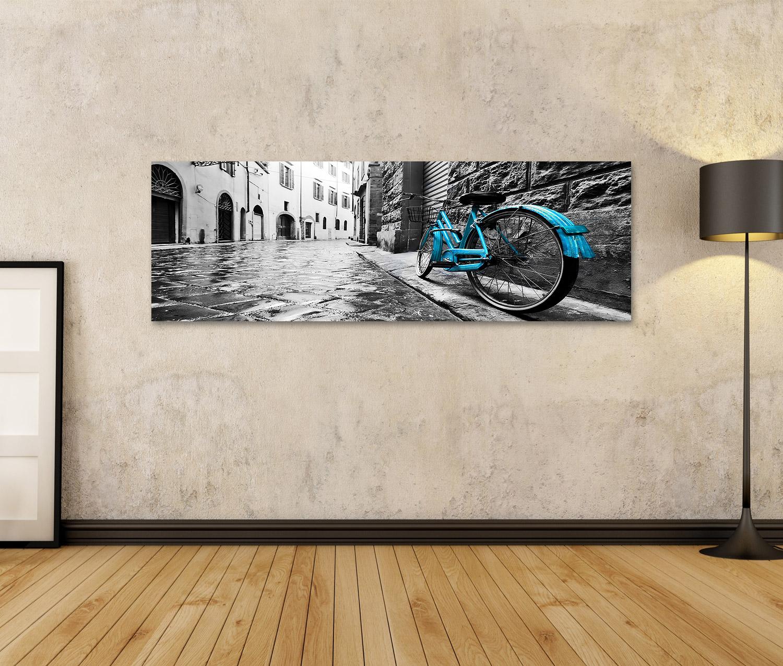 Bild auf Leinwand Retro blaues Fahrrad auf der Altstadtstraße Farbe g VXT